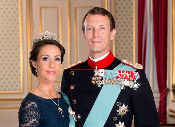 Frederika III. Dánského a Žofie Amálie Brunšvické a sňatkem s Kristiánem.