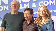 Christopher Lloyd, Michael J. Fox a Lea Thompsonová (Londýn, 17. července 2015)