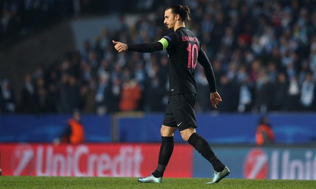 """Géant lumineux """"Z"""", carré loué et but. Ibrahimovic est rentré à la maison"""