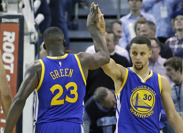 Draymond Green a Stephen Curry z Golden State.