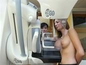 Poplašné video odrazuje ženy od mamografu. Ministerstvo podalo trestní oznámení