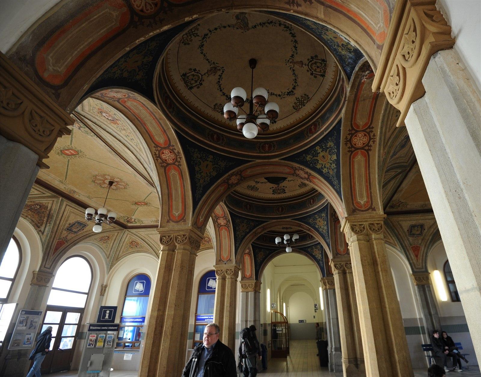 Fotogalerie Secesni Budova Z Roku 1871 Je Pamatkove Chranena Cenne