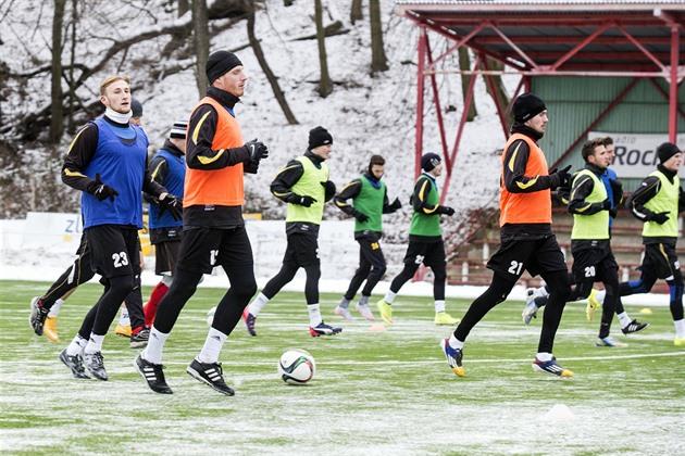 Die Teams begannen mit ihren Vorbereitungen. Jablonec und Jihlava führten bereits neue Trainer