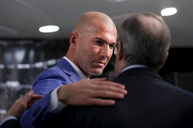 Real Madrid hat Trainer Benitez zurückgezogen, Zidane wurde der neue Trainer