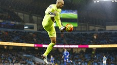 Brankář Tim Howard z Evertonu