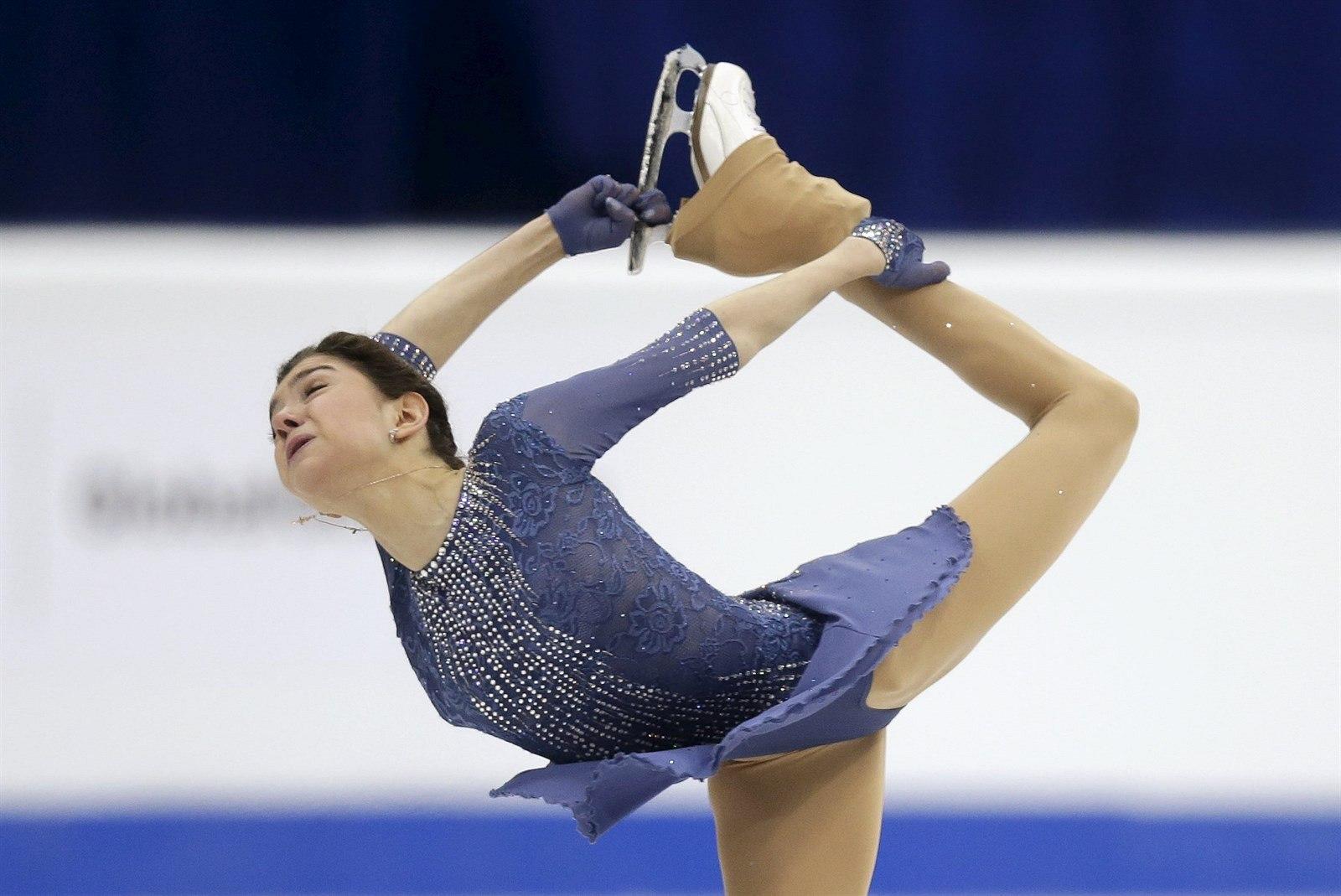 Jevgenija Medveděvová je hlavním adeptem na zlato v ženské části
