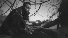 Vítězná fotka World Press Photo 2016 od Warrena Richardsona