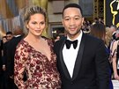Chrissy Teigenová a John Legend (Los Angeles, 28. února 2016)