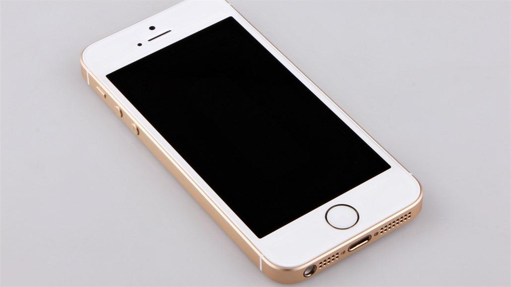 Nejlevnější iPhone nemá přímou konkurenci. Recenze iPhonu SE - iDNES.cz 60eae3a11b1