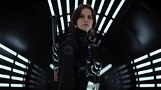 Felicity Jonesová ve filmu Rogue One: Star Wars Story