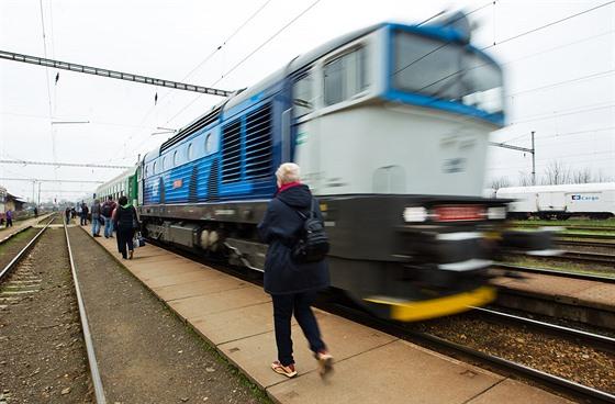 008582bd16a25 Pozor na omezení železnice. Od Štědrého dne do Nového roku pojede ...