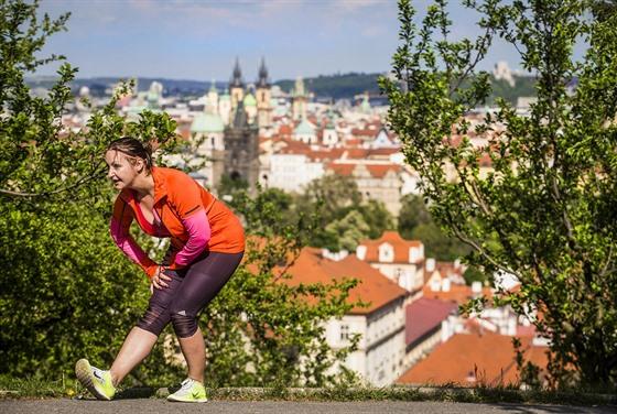 d7305a06a21 Protahování s výhledem na pražské kopce