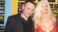 Doug Hutchison a Courtney Stoddenová (Los Angeles, 18. září 2014)