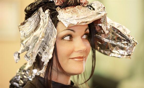 Domácí barvení  jak si nezničit vlasy a kdy jít raději ke ... 5ccf2ce5a2a