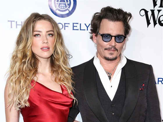 Amber Heardová a Johnny Depp (Culver City, 9. ledna 2016)