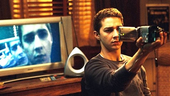 Shia LaBeouf ve filmu Disturbia (2007)