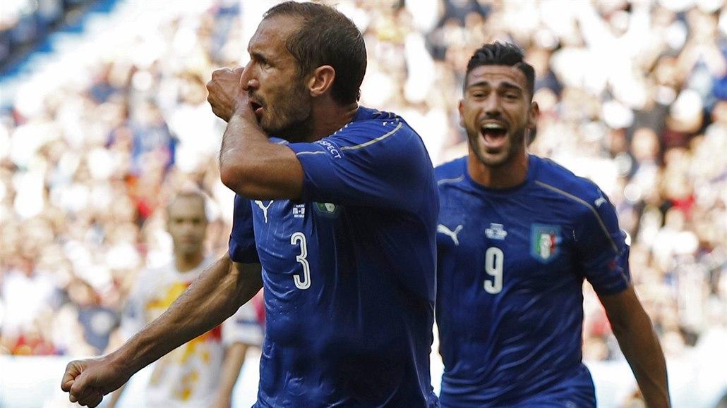 Itálie - Španělsko 2:0, obhájci končí, domů je poslal ...