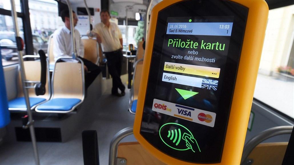 c711baf9acb Platba bezkontaktními kartami v ostravské MHD u cestujících boduje ...