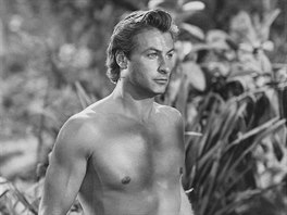 Lex Barker ve filmu Tarzan and the She-Devil (1953)