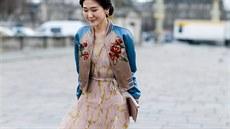 Plisované sukně i šaty jsou na léto perfektní 10e2dd2f19