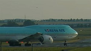 Korean Air B747-8i
