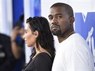Kanye West a Kim Kardashianová na MTV Video Music Awards (New York, 28. srpna...