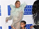 Beyoncé a její dcera Blue Ivy na MTV Video Music Awards (New York, 28. srpna...
