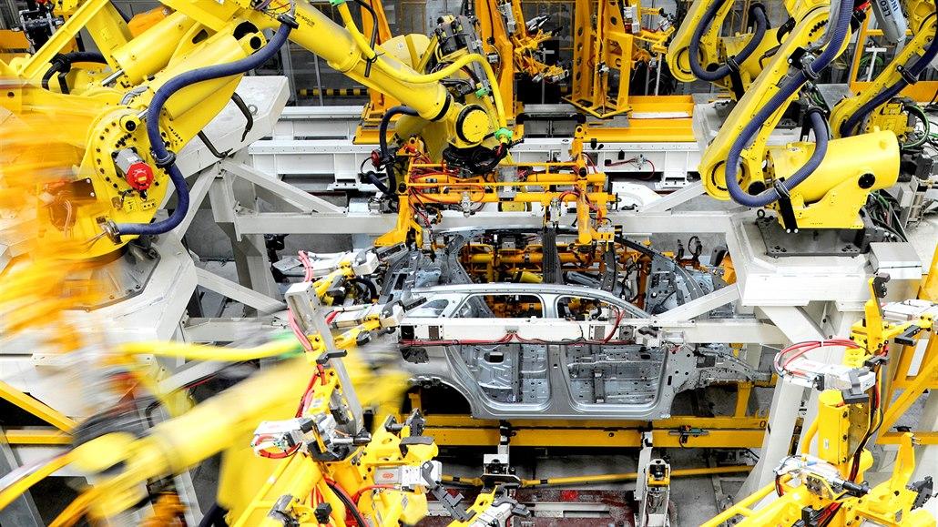 Český průmysl se propadá, podmínky v sektoru se výrazně zhoršily