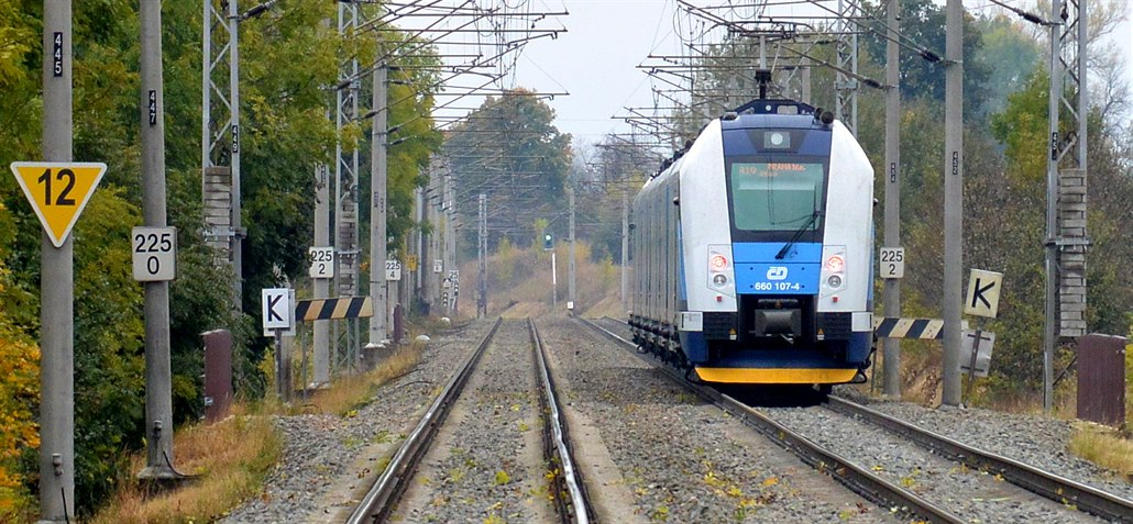 Kraj objednal více spojů na koridoru, spěšné vlaky přijdou o názvy