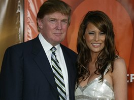 Donald Trump a Melania Knaussová (Hollywood, 7. listopadu 2004)