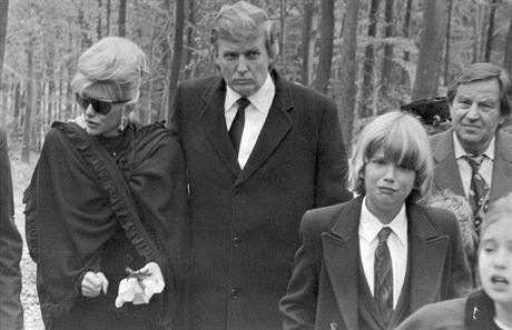 Donald Trump navštívil s rodinou Zlín v roce 1990, aby se zúčastnil pohřbu...
