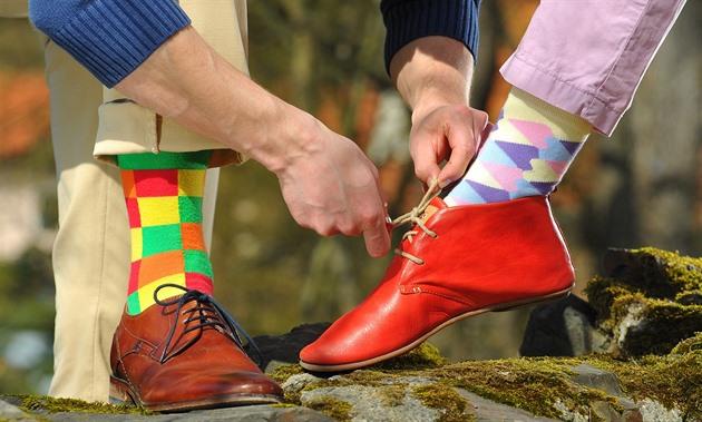 Ponožkový mág. Čech vyváží pestrobarevné páry do Kolumbie i Bahrajnu ... a228482f3d