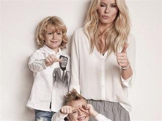 Simona Krainová a její synové Max a Bruno