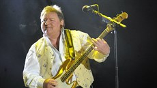 Greg Lake na koncertu Emerson, Lake and Palmer v roce 2010