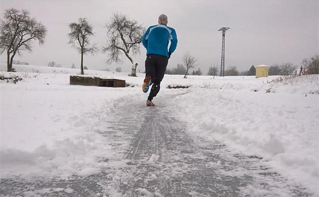 a0538347bae Chcete běhat bez ohledu na sníh a led  Poradíme vám