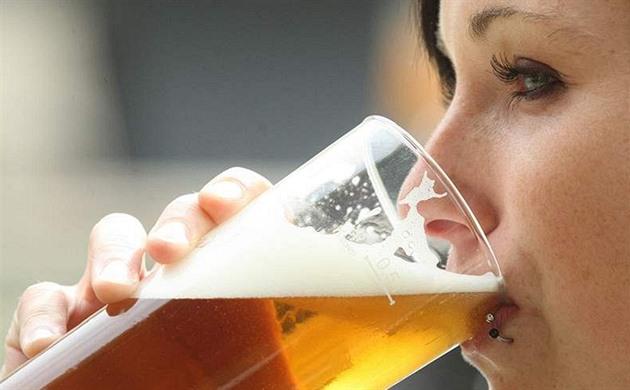 Pivo jako zdroj nápadů i lepší nálady? Co na něj říkají vědci a lékaři