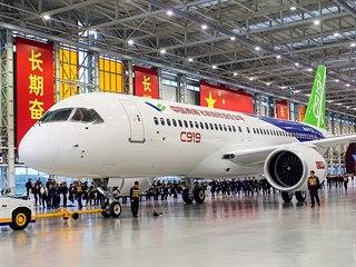 Čínské dopravní letadlo Comac C919 od společnosti Commercial Aircraft...