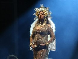 Beyoncé (Grammy Awards, Los Angeles, 12. února 2017)
