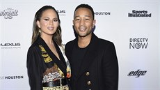 Chrissy Teigenová a John Legend (New York, 16. února 2017)