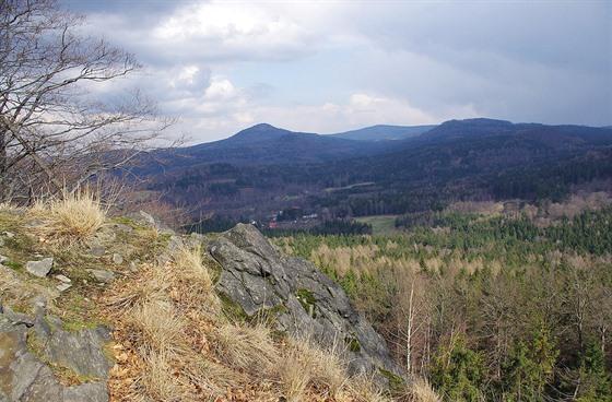 Pohled z Chřibského vrchu na Jedlovou