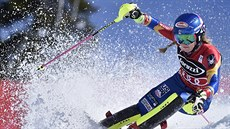 Mikaela Shiffrinová ve slalomu ve Squaw Valley.