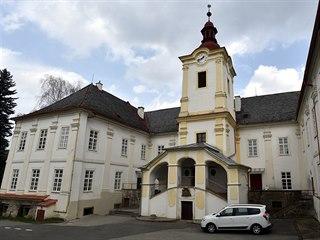 Potomkům Aloise Serényiho má být vydán mimo jiné i zámek v Luhačovicích.