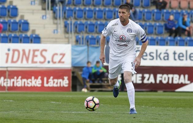 A série de recordes e o resgate dos jogadores de futebol de Slovacko marcaram Šumulikoski