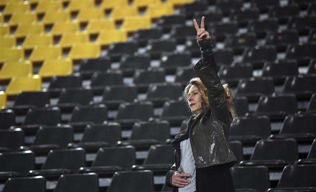 Após a explosão: os torcedores do concurso cantaram após Dortmund, apoiado pelo Barcelona
