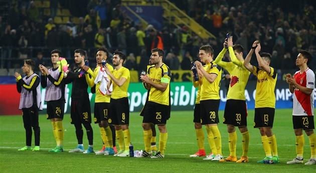 Sobre nós sem nós. Não era para jogar, o futebol não é tudo, soa de Dortmund