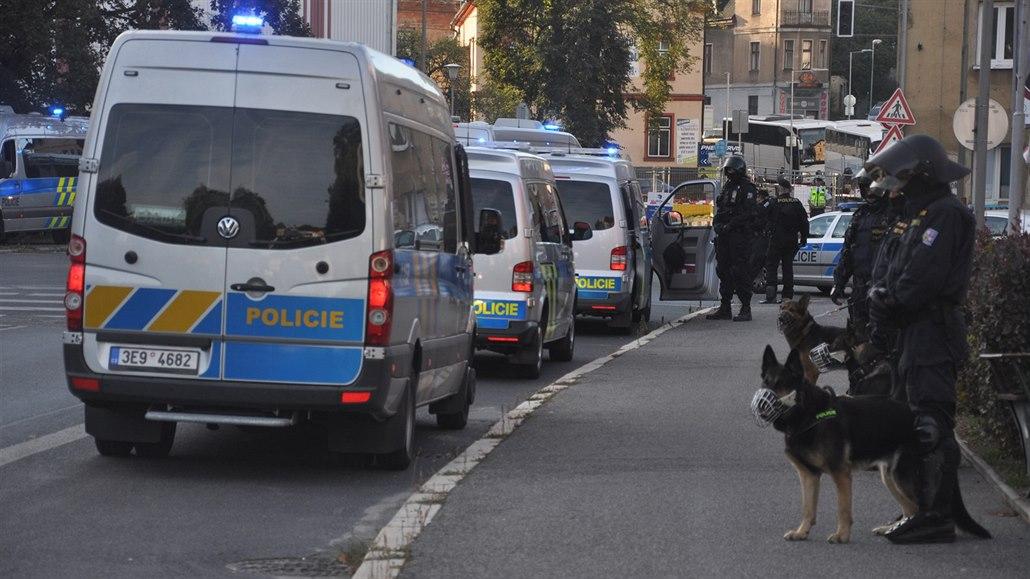 Za sokolovskou rvačkou stáli fotbaloví hooligans, řekla policie