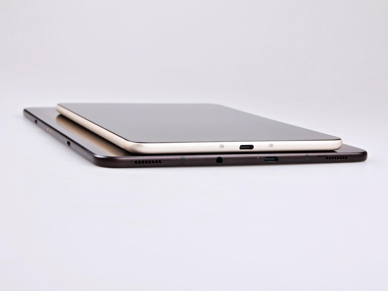 Ačkoliv mělo Xiaomi k dispozici méně prostoru v tabletu je větÅ¡ baterie než v modelu