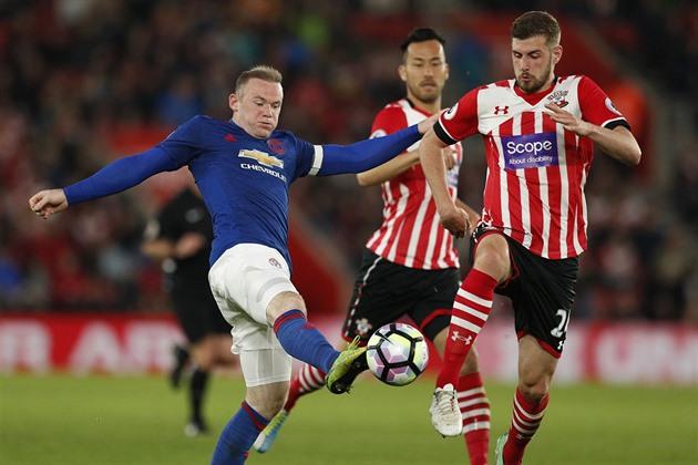 L'attaquant Rooney quitte United après 13 ans, retournant à Everton
