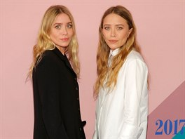 Ashley Olsenová a Mary-Kate Olsenová na CFDA Fashion Awards (New York, 5....