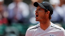 Křik. Brit Andy Murray v semifinále French Open proti Stanu Wawrinkovi.